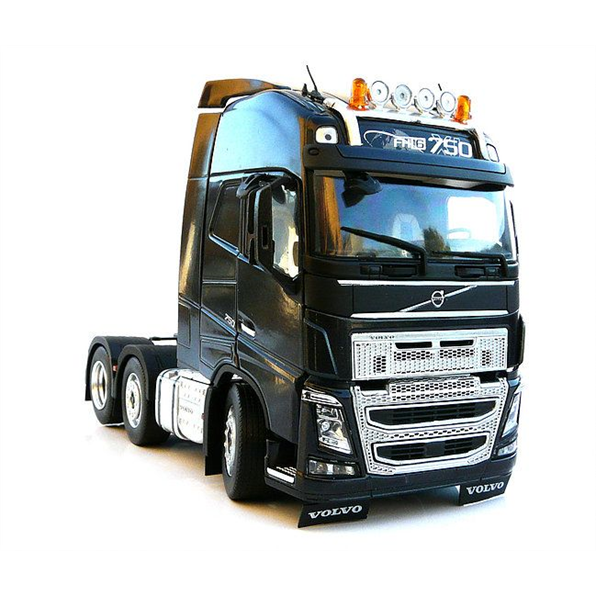 Volvo FH16 3 axle - black